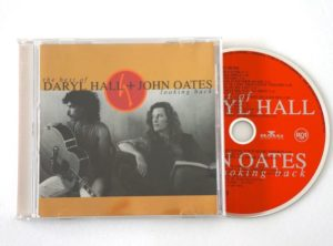 best-hall-oates-looking-back-CD