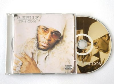 R-kelly-TP-2-com-CD