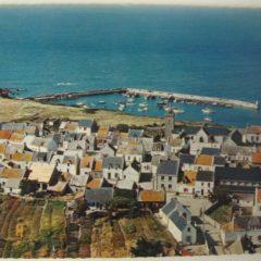 Village et port Saint Gildas à Houat carte postale ancienne