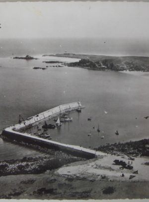 Houat Port sans phare Vue aerienne